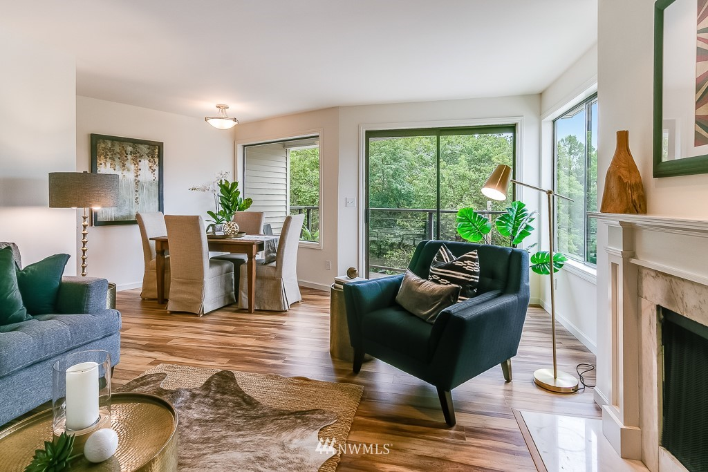 Sold Property | 7850 E Green Lake Drive N #304 Seattle, WA 98103 4