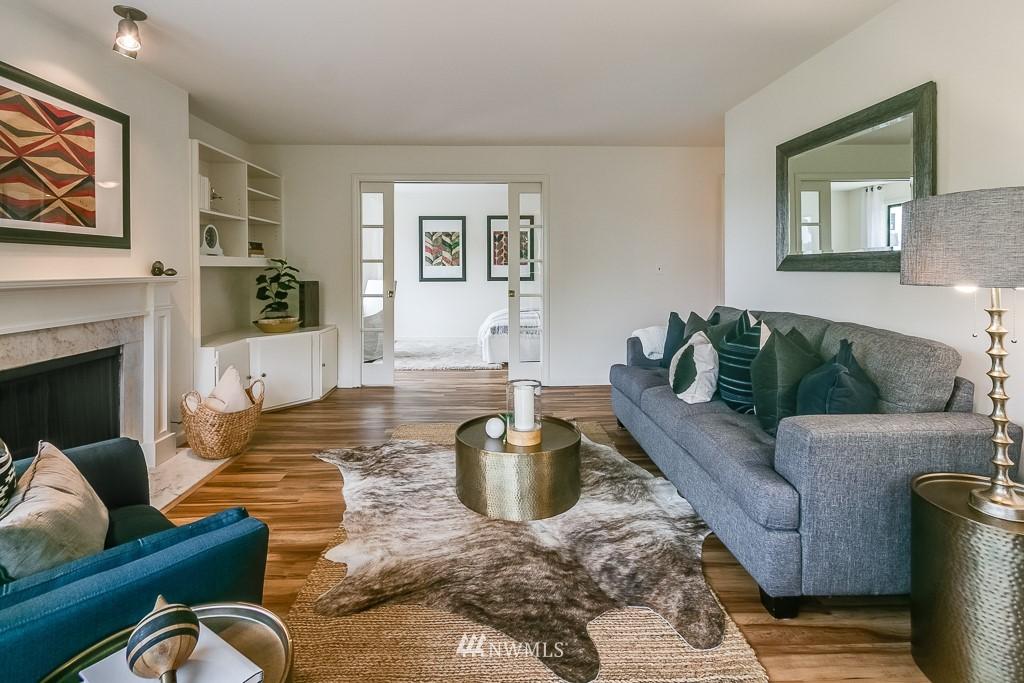 Sold Property | 7850 E Green Lake Drive N #304 Seattle, WA 98103 5