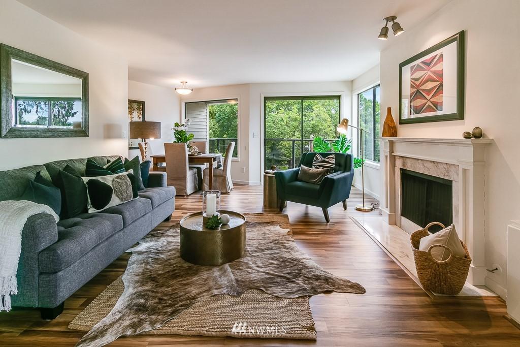Sold Property | 7850 E Green Lake Drive N #304 Seattle, WA 98103 3