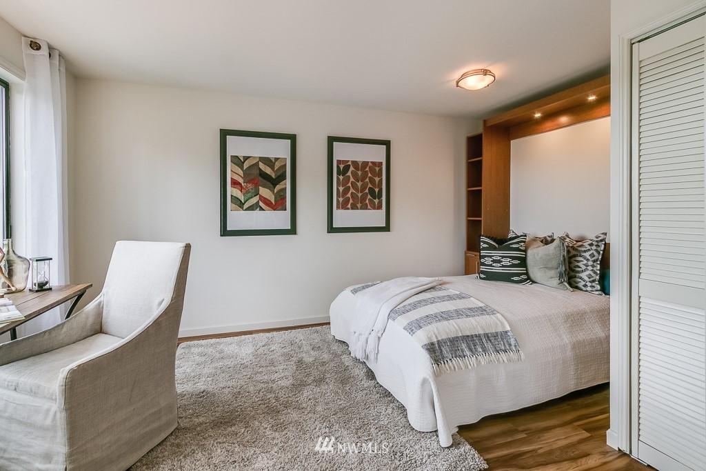 Sold Property | 7850 E Green Lake Drive N #304 Seattle, WA 98103 11