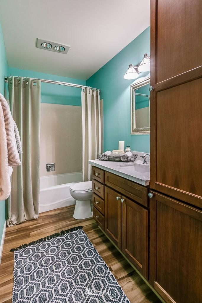 Sold Property | 7850 E Green Lake Drive N #304 Seattle, WA 98103 14