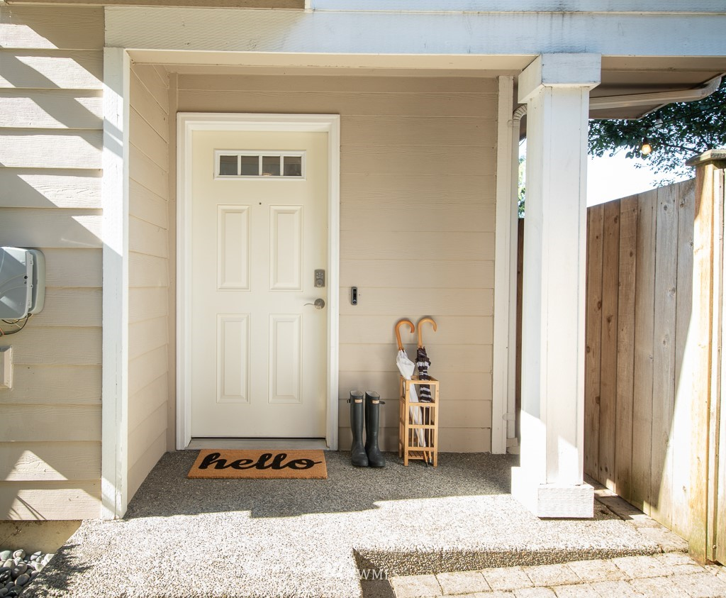 Sold Property | 12032 28th Avenue NE #A Seattle, WA 98125 0