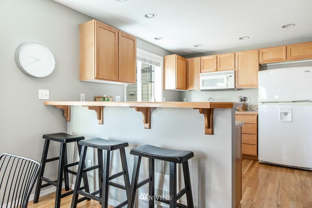 Sold Property | 12032 28th Avenue NE #A Seattle, WA 98125 7