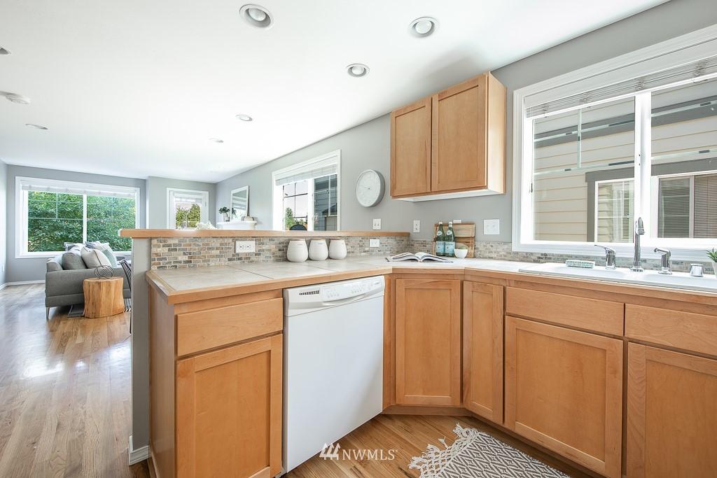 Sold Property | 12032 28th Avenue NE #A Seattle, WA 98125 8