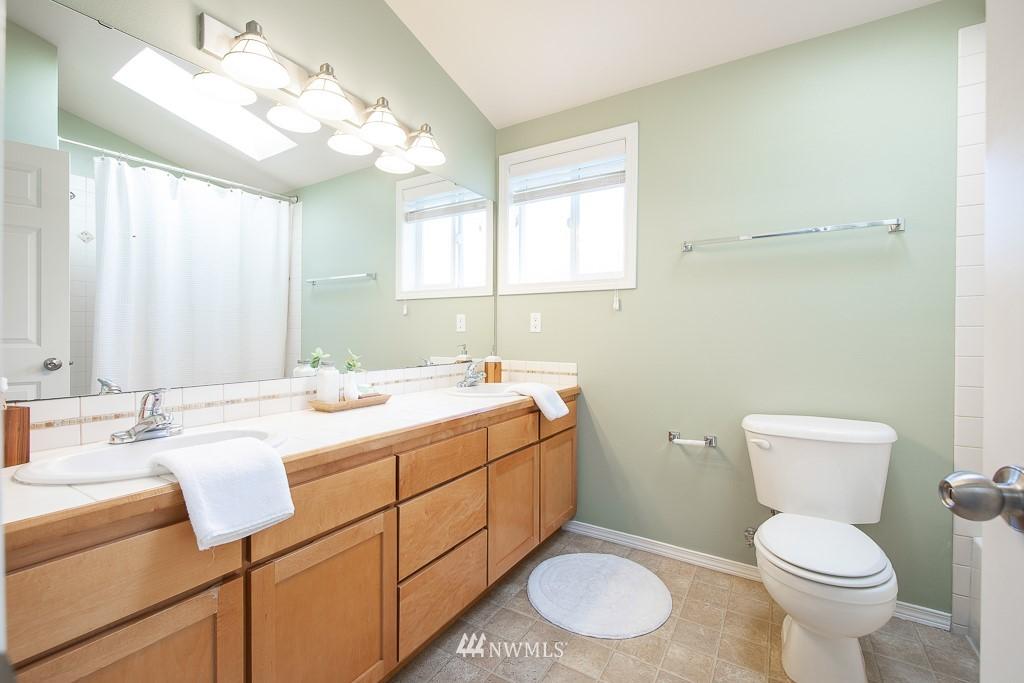 Sold Property | 12032 28th Avenue NE #A Seattle, WA 98125 15