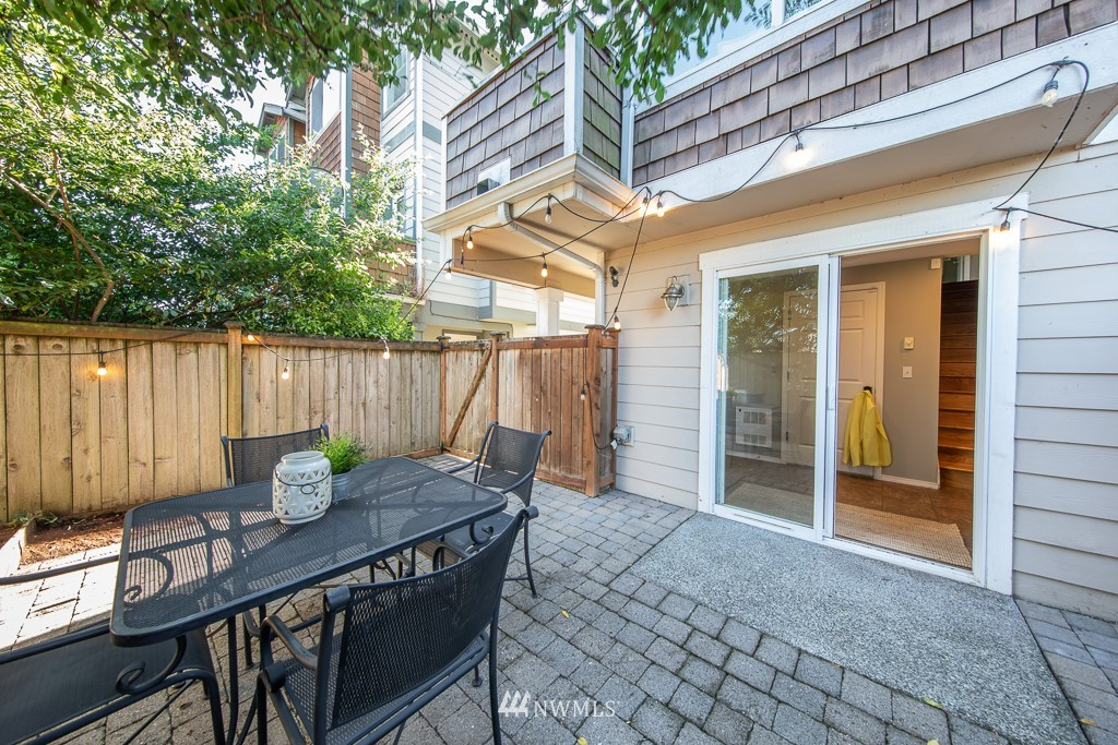 Sold Property | 12032 28th Avenue NE #A Seattle, WA 98125 19
