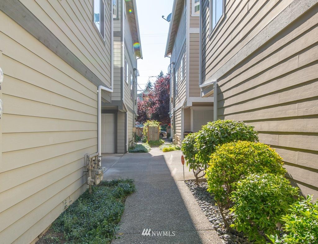 Sold Property | 12032 28th Avenue NE #A Seattle, WA 98125 20