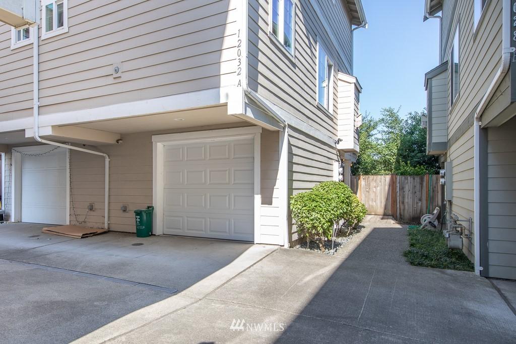 Sold Property | 12032 28th Avenue NE #A Seattle, WA 98125 22