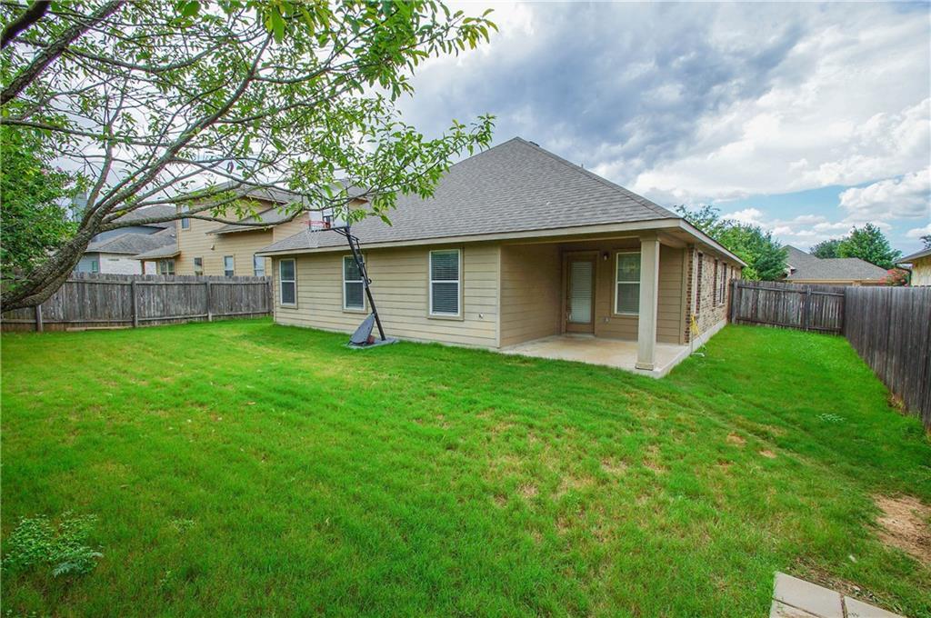 Closed   837 Clear Springs Hollow Buda, TX 78610 23