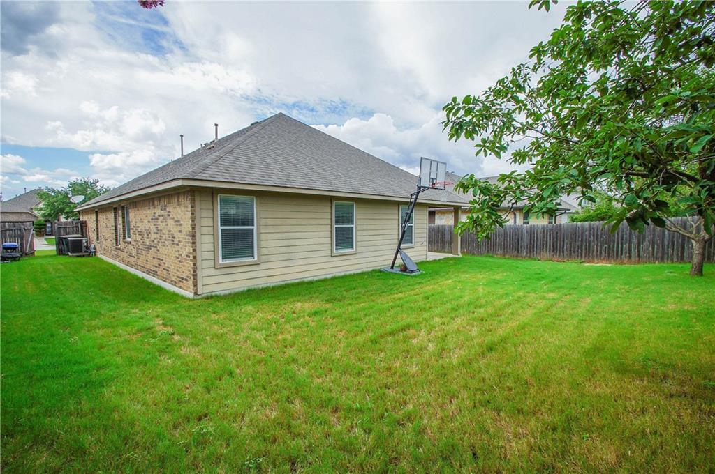 Closed   837 Clear Springs Hollow Buda, TX 78610 26