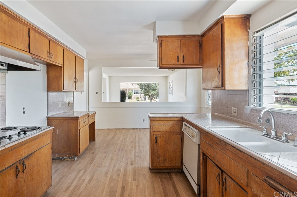 Closed   401 N 20th Street Montebello, CA 90640 22