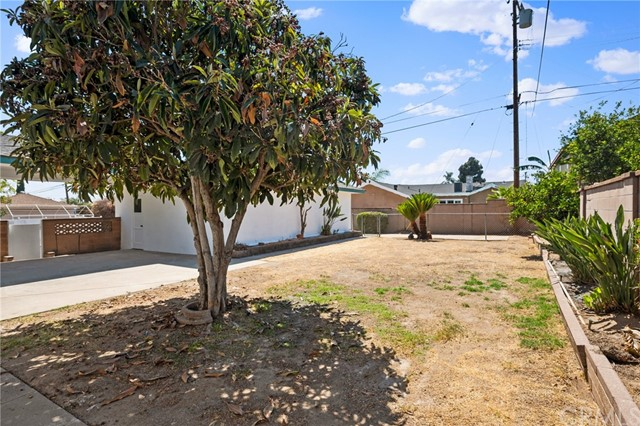Active Under Contract | 401 N 20th Street Montebello, CA 90640 18