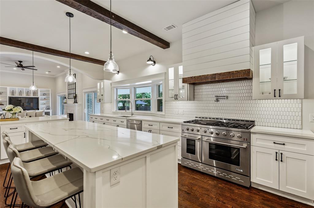 Sold Property   7630 Oakbluff Drive Dallas, Texas 75254 10