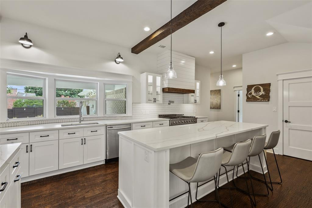 Sold Property   7630 Oakbluff Drive Dallas, Texas 75254 11