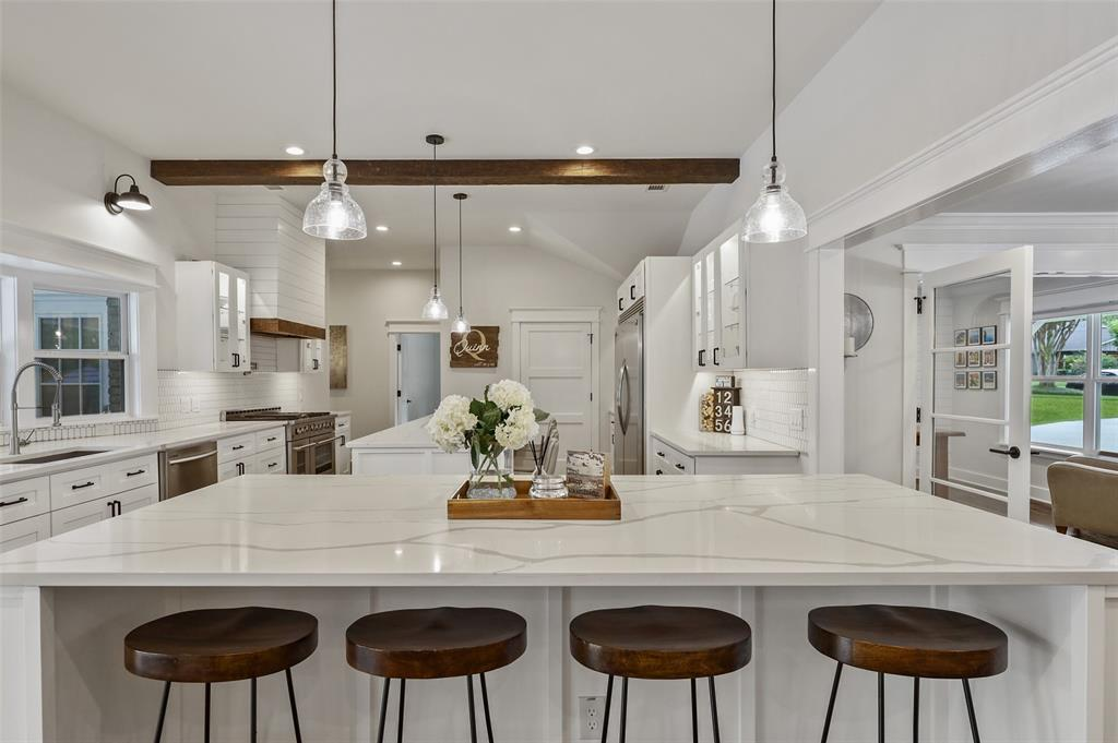 Sold Property   7630 Oakbluff Drive Dallas, Texas 75254 9