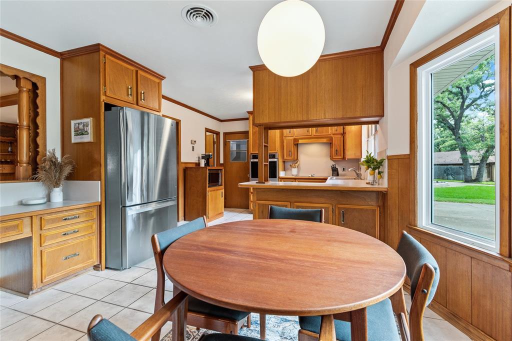 Sold Property | 108 Post Oak Circle Hurst, Texas 76053 10