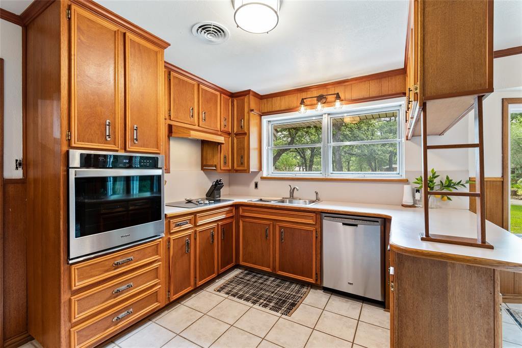 Sold Property | 108 Post Oak Circle Hurst, Texas 76053 12
