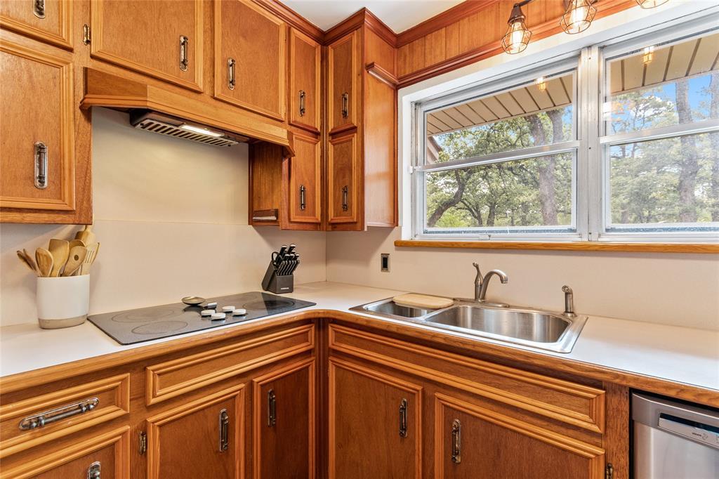 Sold Property | 108 Post Oak Circle Hurst, Texas 76053 14