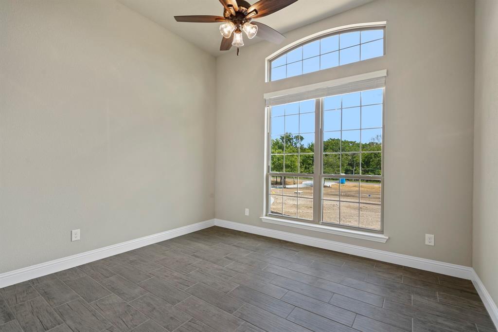 Pending | 725 Glade Park Court Azle, Texas 76020 31