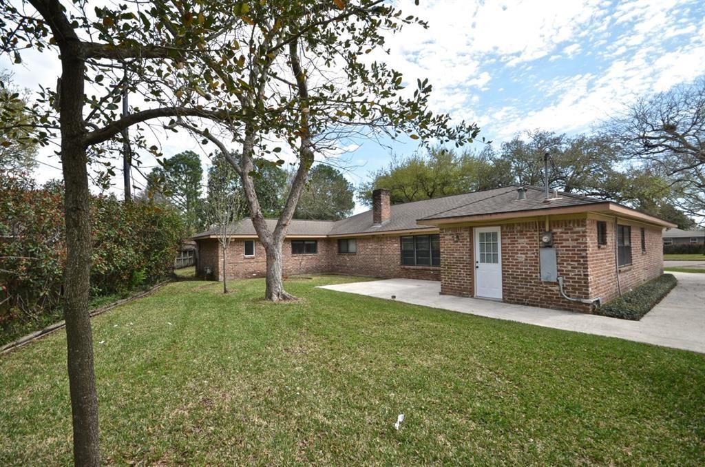 Off Market   5722 Braesvalley Drive Houston, Texas 77096 22