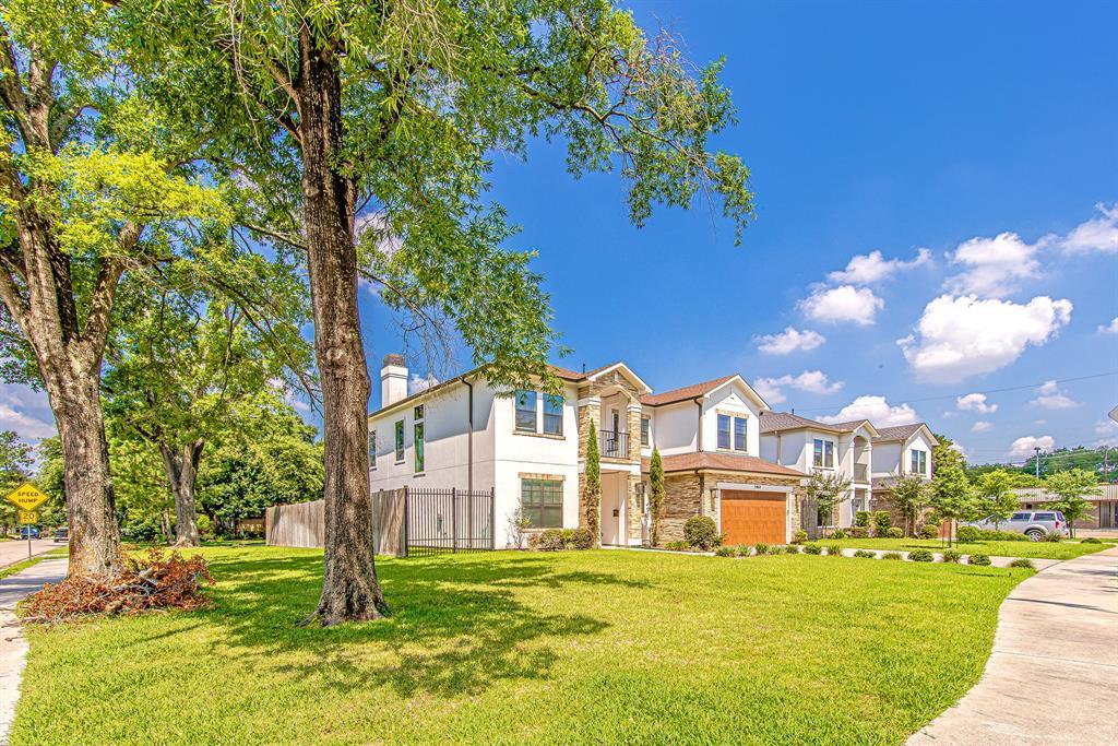 Off Market | 1463 Oak Tree Drive Houston, Texas 77055 6