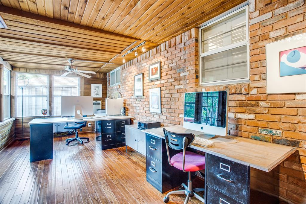 Sold Property   6245 Woodcrest Lane Dallas, Texas 75214 11