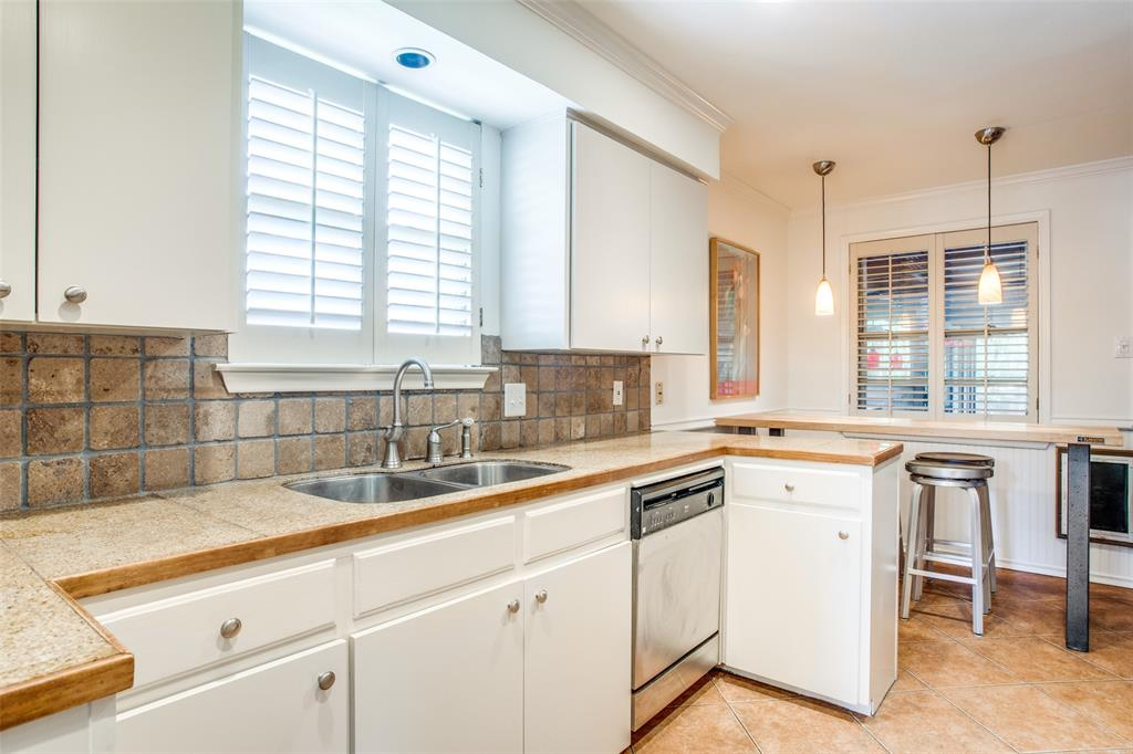 Sold Property   6245 Woodcrest Lane Dallas, Texas 75214 13