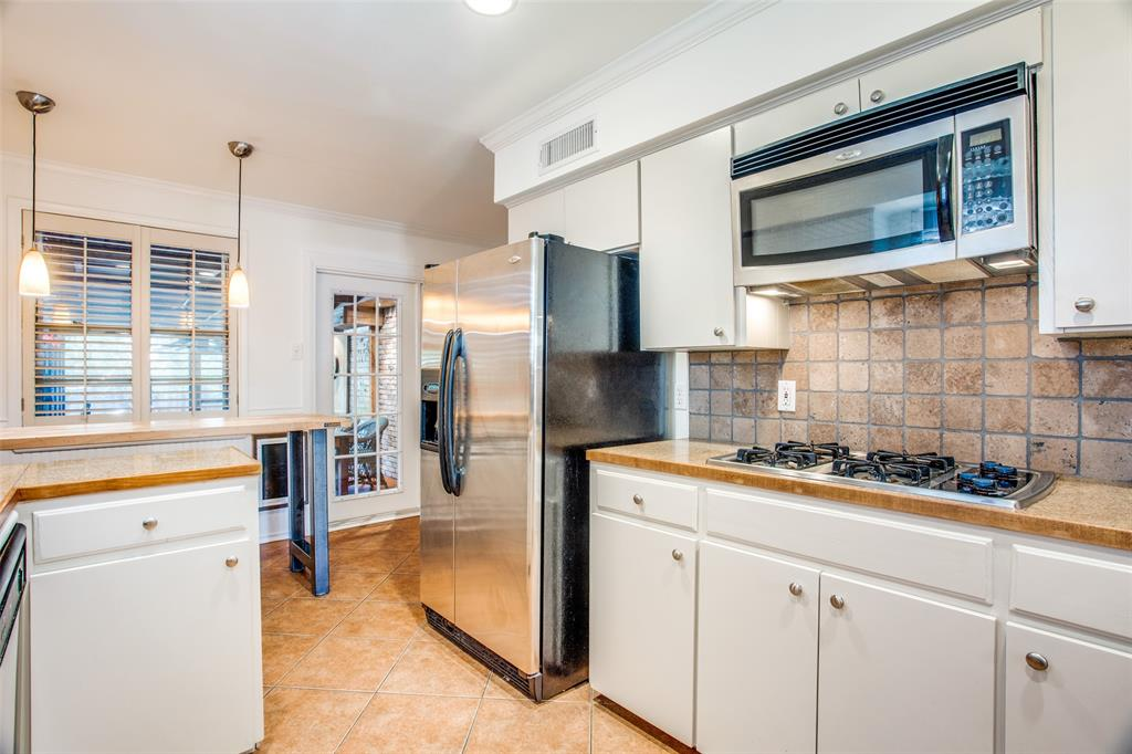 Sold Property   6245 Woodcrest Lane Dallas, Texas 75214 15