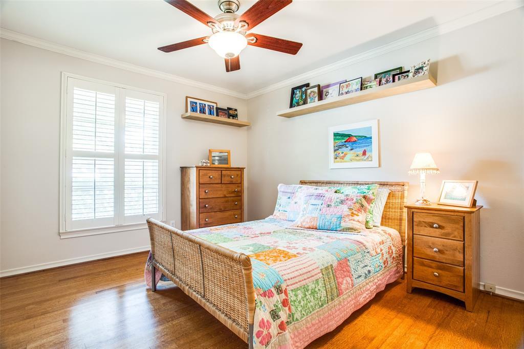 Sold Property   6245 Woodcrest Lane Dallas, Texas 75214 18