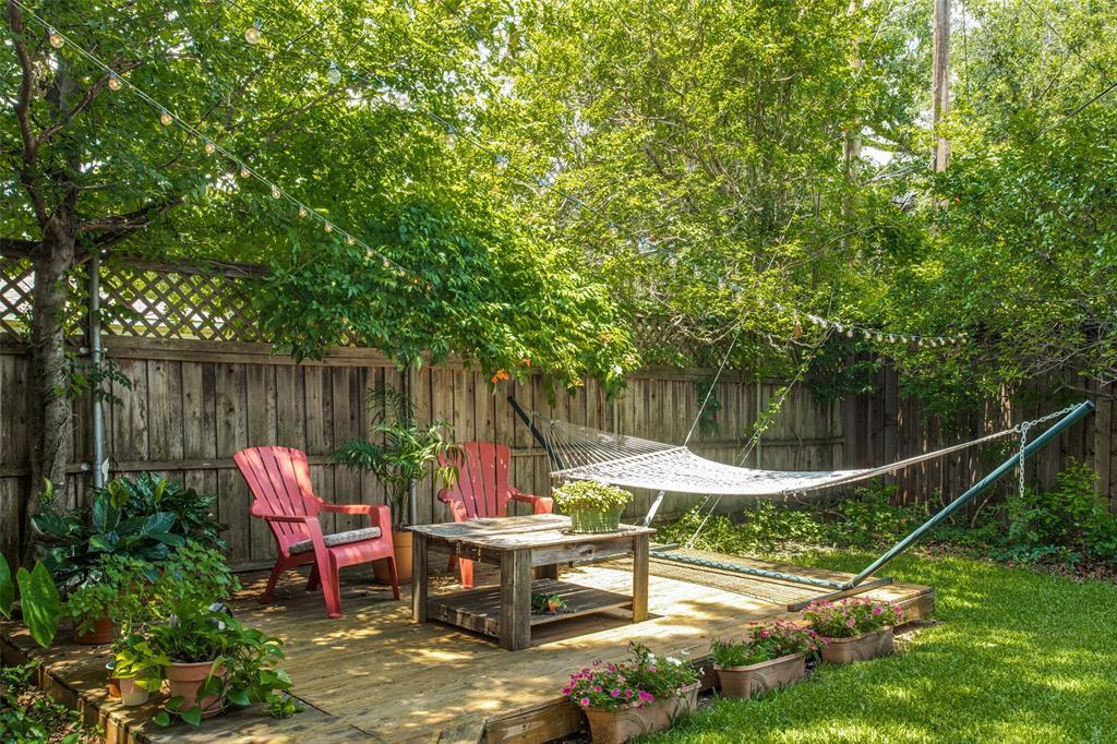 Sold Property   6245 Woodcrest Lane Dallas, Texas 75214 23