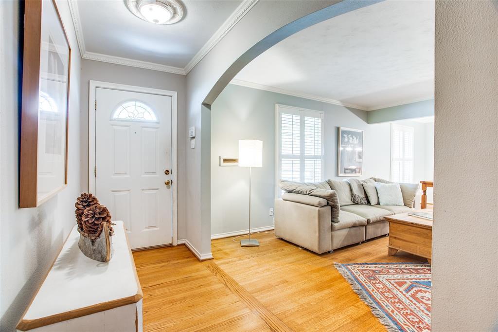 Sold Property   6245 Woodcrest Lane Dallas, Texas 75214 3