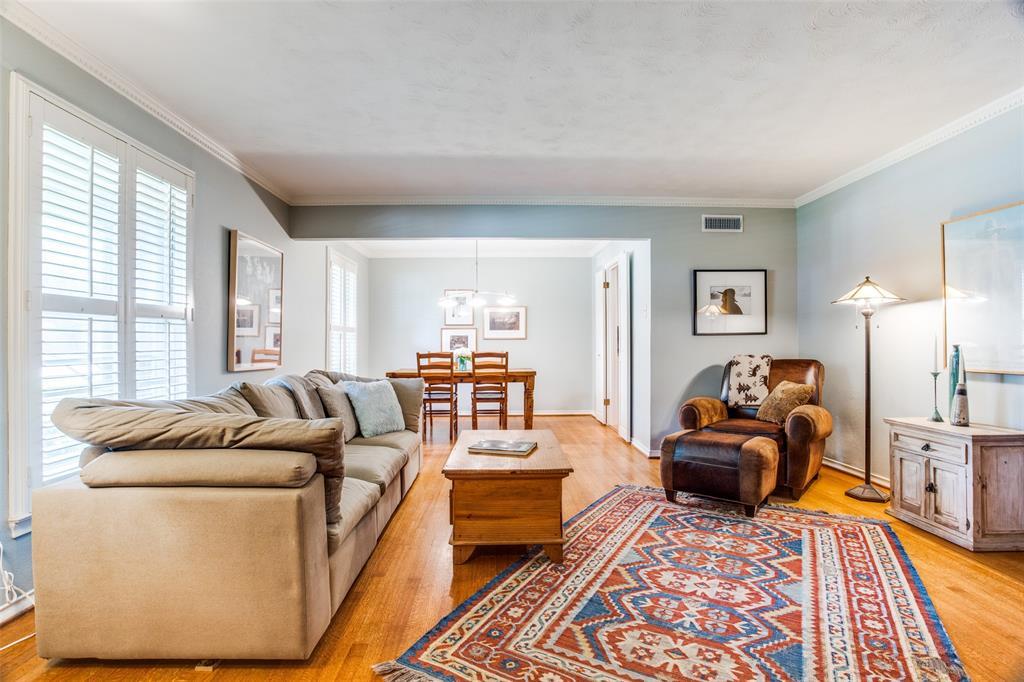 Sold Property   6245 Woodcrest Lane Dallas, Texas 75214 4