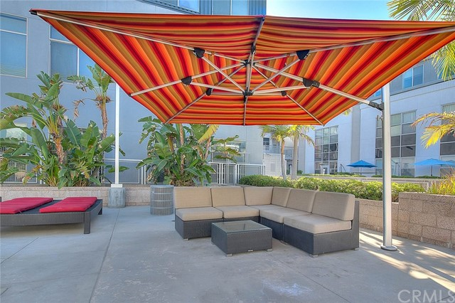 Pending | 435 W Center Street Promenade #332 Anaheim, CA 92805 11