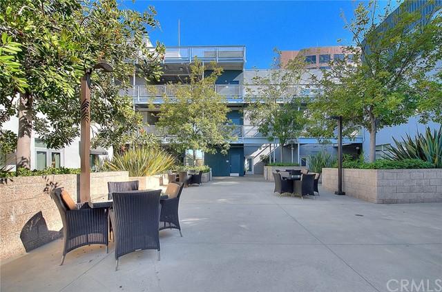 Pending | 435 W Center Street Promenade #332 Anaheim, CA 92805 12