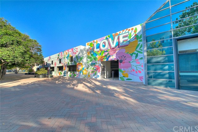 Pending | 435 W Center Street Promenade #332 Anaheim, CA 92805 13