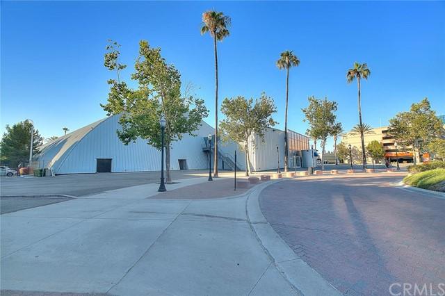 Pending | 435 W Center Street Promenade #332 Anaheim, CA 92805 14