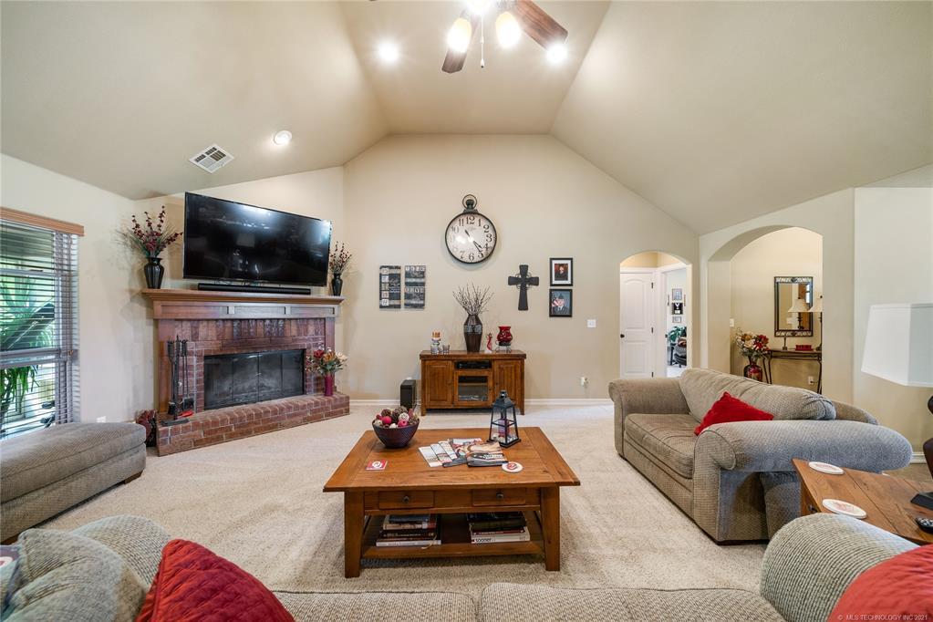 Off Market | 16710 S Big Valley Boulevard Claremore, Oklahoma 74017 6