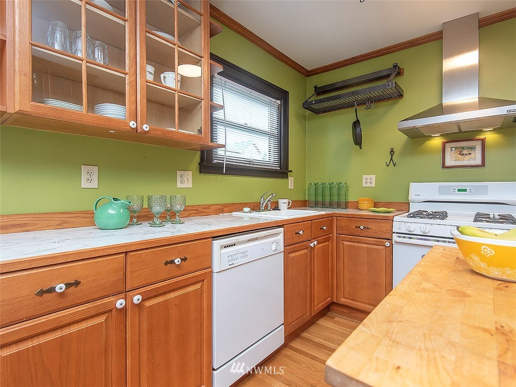 Sold Property | 852 NW 75th Street Seattle, WA 98117 8