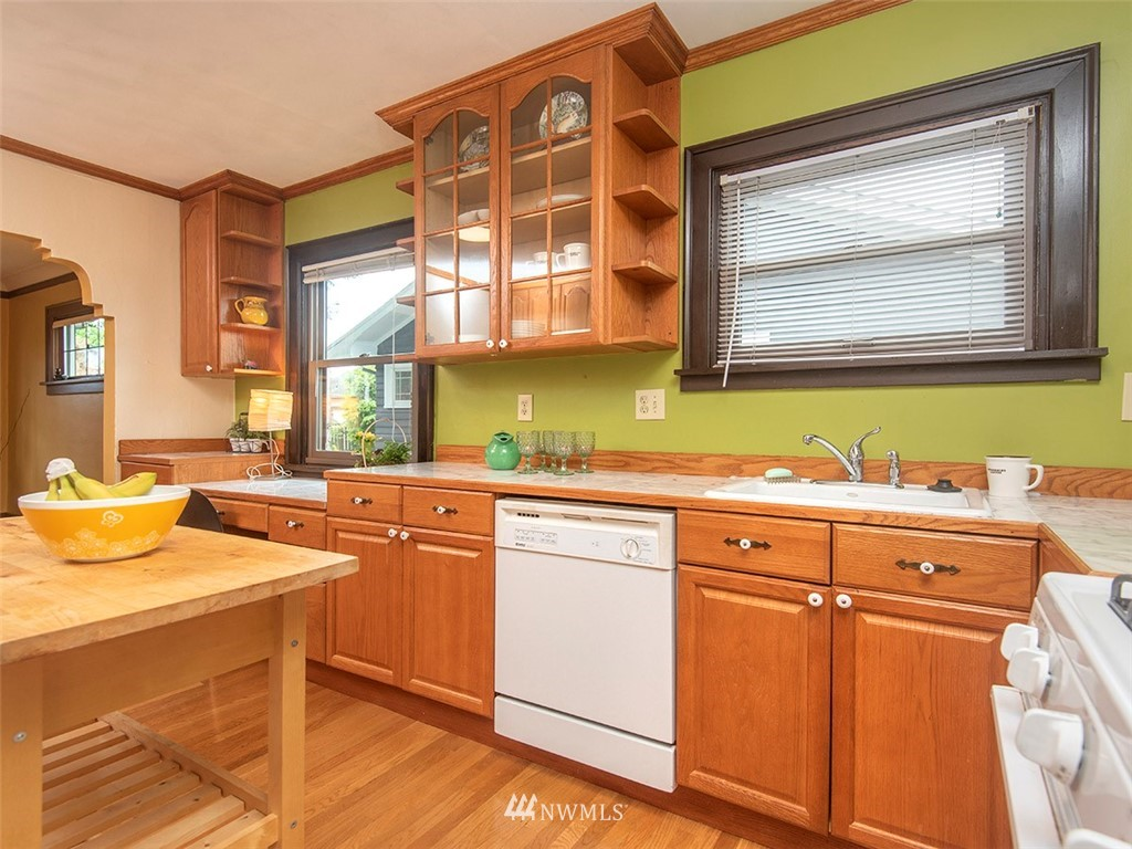Sold Property | 852 NW 75th Street Seattle, WA 98117 9