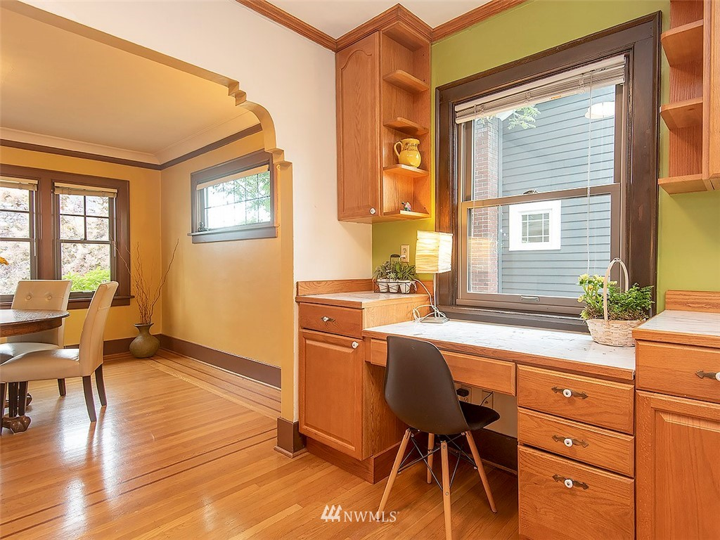 Sold Property | 852 NW 75th Street Seattle, WA 98117 10