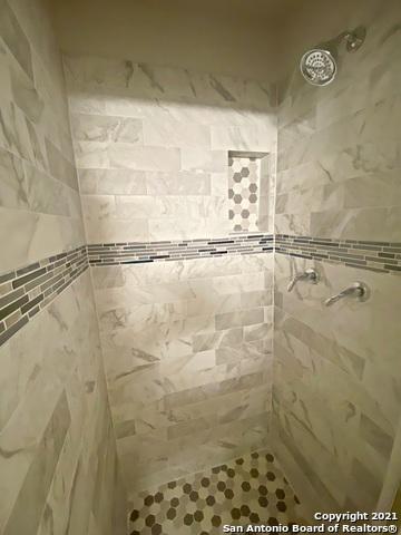 Active Option   3442 Chateau Dr San Antonio, TX 78219 21