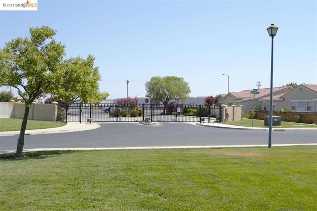 Closed   550 Betten St Los Banos, CA 93635 16