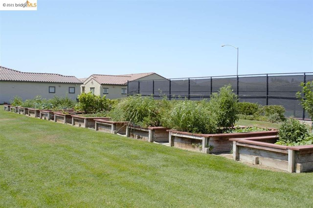 Closed   550 Betten St Los Banos, CA 93635 21