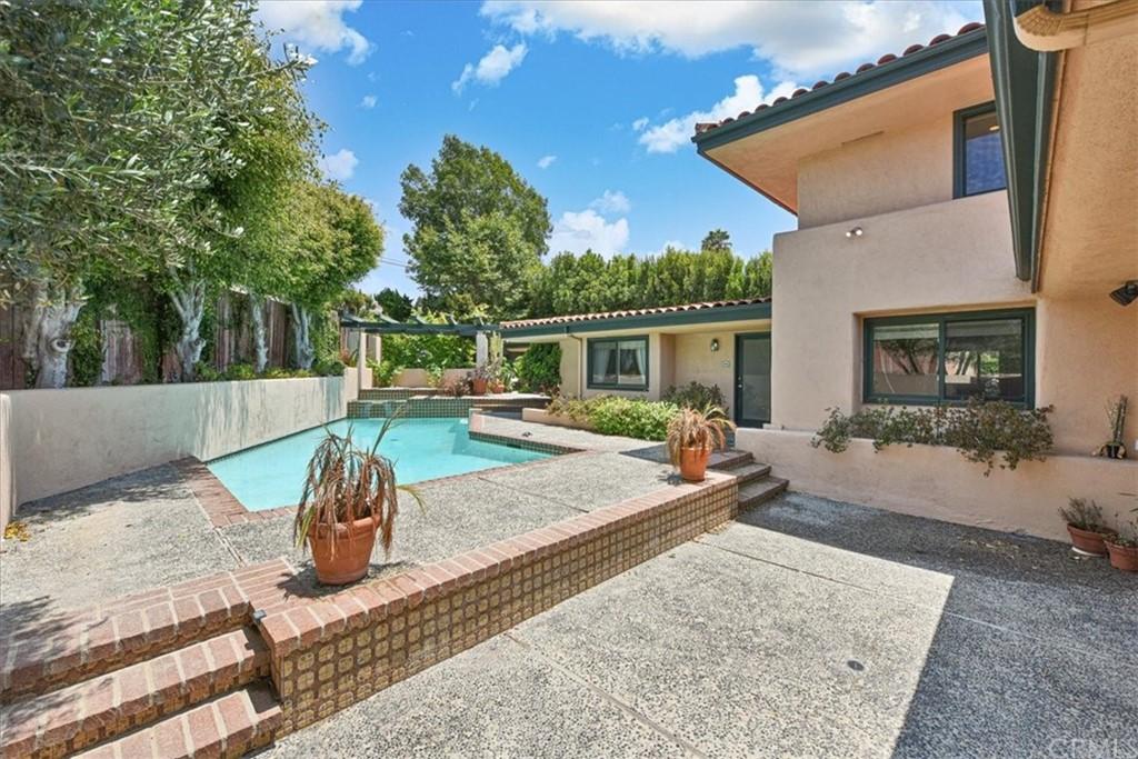 Active | 1432 Via Coronel Palos Verdes Estates, CA 90274 45