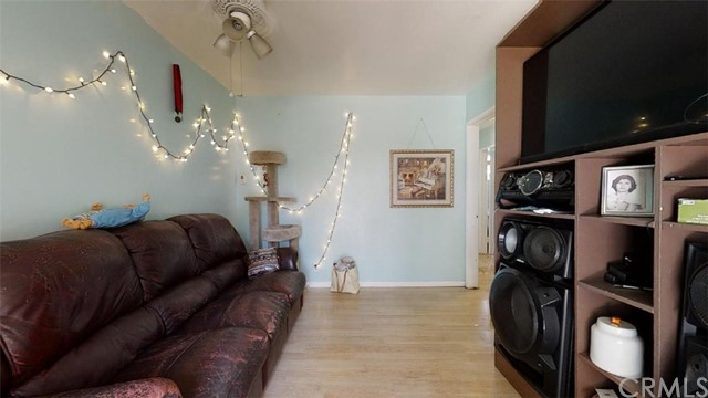 Pending | 11733 Emery Street El Monte, CA 91732 21