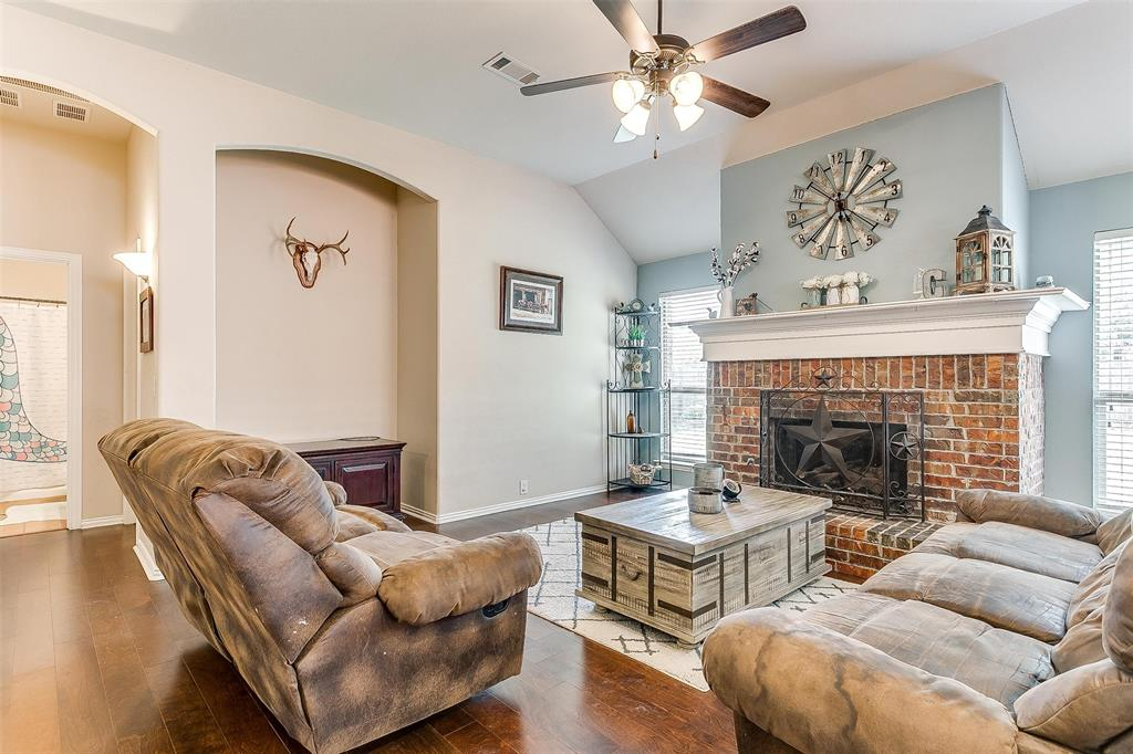 Active Option Contract | 513 Kerry Street Crowley, Texas 76036 4