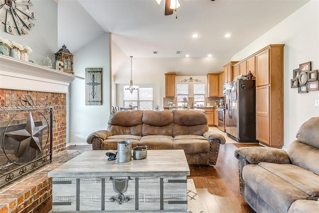 Active Option Contract | 513 Kerry Street Crowley, Texas 76036 6