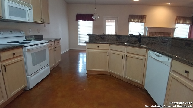 Off Market   8422 BRANCH HOLLOW DR Universal City, TX 78148 6
