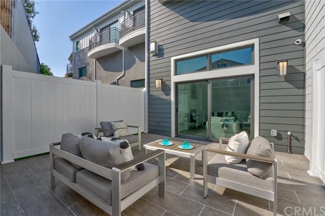 Active   530 N Elena Avenue Redondo Beach, CA 90277 21