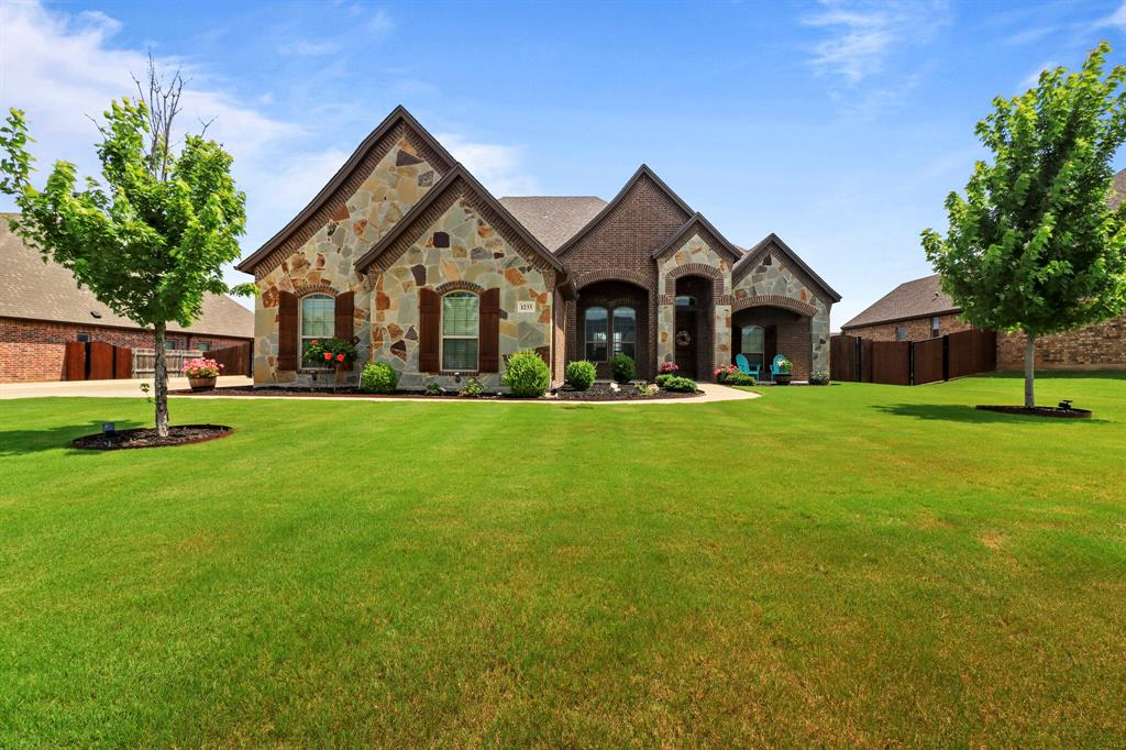 Active | 1233 Bluff Springs Drive Fort Worth, Texas 76052 0